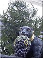 SU0061 : A festive bear by Neil Owen