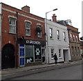 ST3147 : K9 Groomers in Highbridge by Jaggery