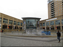 SJ8097 : The Lowry Outlet, Salford Quays by John Rostron