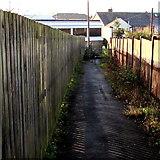 SO8005 : Fenced public footpath towards Bath Road, Stonehouse by Jaggery