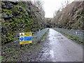 SK1871 : Warning tunnel ahead by Steve  Fareham