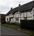 SK4002 : Grade II listed thatched house in Sutton Lane, Market Bosworth by Jaggery