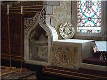 SU8695 : Hughenden - St Michael & All Angels - Piscina by Rob Farrow