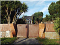 SX9574 : Gate pillars and gate, Los Palmos, 29 Hall Lane, Holcombe by Robin Stott