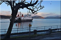 NS0964 : The ferry leaves Rothesay at sunrise by Alan Reid