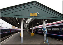 SS6593 : Warning - fragile roof at Swansea railway station by Jaggery