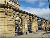 SE1633 : Colonnade of the Midland Hotel, Bradford by Stephen Craven