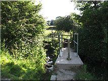SE1421 : Footbridge across a stream, Rastrick by Stephen Craven