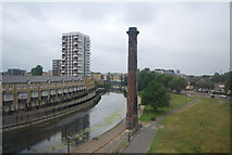TQ3681 : Chimney by The Regent's Canal by N Chadwick