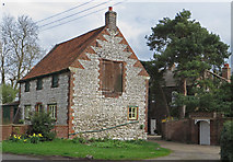 TA0816 : Vicarage Cottage,  Wootton, North Lincs by Paul Harrop