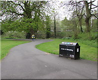 SP3165 : Pump Room Gardens litter and recycling bin, Royal Leamington Spa by Jaggery