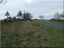 NZ2294 : Minor road towards Widdrington Station by JThomas