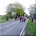 SE2144 : Spectators arriving, Cote de Chevin by Rich Tea