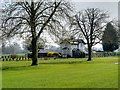 SU9776 : Windsor Great Park, Lodge at Entrance to The Home park by David Dixon