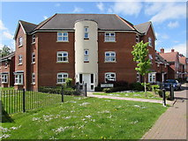 SU3521 : Withy Close Flats, Romsey by Jaggery