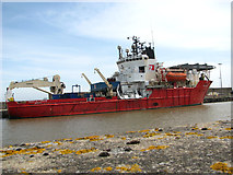 TG5204 : Red7 Alliance on East Quay by Evelyn Simak