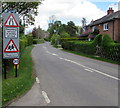 SU2527 : Oncoming vehicles in middle of road warning sign, West Dean by Jaggery