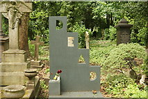TQ2886 : View of Patrick Caulfield's grave in Highgate Cemetery by Robert Lamb