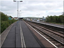 SN1916 : Long platforms at Whitland railway station by Jaggery