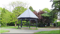 SJ6855 : Shelter, reconditioned approx 2006 by Garry Lavender-Rimmer