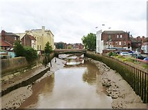 TF3244 : Looking southeast to Town Bridge from St. Botolph's footbridge on the River Witham, Boston by Derek Voller
