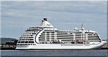 """J3576 : The """"Seven Seas Voyager"""", Belfast (June 2015) by Albert Bridge"""