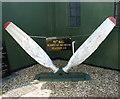 TM1873 : Propeller blades by Evelyn Simak