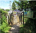 ST6333 : Footpath entrance to Castle Cary railway station by Jaggery