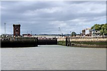 SJ3290 : Alfred Dock lock gates, River Mersey by El Pollock