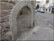 S7127 : Stone alcove by Mat Tuck