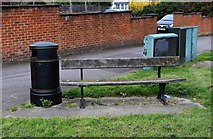 SU7272 : Litter bin and seat, Kendrick Road, Reading by P L Chadwick