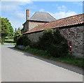 SO5825 : Postbox in an Ashe Farm wall, near Bridstow by Jaggery