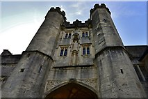 """ST5545 : Wells Cathedral: """"The Bishop's Eye"""" gateway by Michael Garlick"""