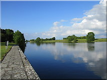 M9514 : The River Shannon at Meelick Quay by Jonathan Thacker