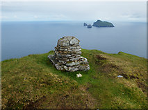 NA0900 : Summit of Conachair by John Allan