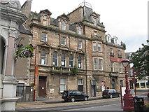 NN8621 : High Street Crieff - The Drummond Arms Hotel by M J Richardson