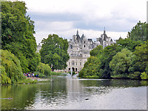 TQ2979 : St. James's Park Lake by Robin Webster