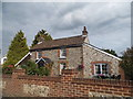 TQ4359 : Cottage on Single Street, Berry's Green by David Howard