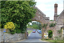 TQ5243 : Gateway, Penshurst Place by N Chadwick