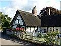 SJ7185 : Ovenback Cottage by Dave Dunford