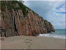 NC4465 : Rock face on Tràigh Allt Chàilgeag beach by Clive Nicholson