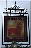 TM0954 : Sign for the Lion, Grinstead Hill by JThomas