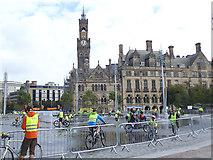 SE1632 : Bradford  Skyride: getting wet by Stephen Craven
