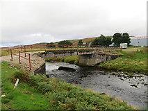 NC9048 : Road bridge over the Halladale River at Forsinain Farm by John Ferguson