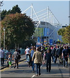 SK5802 : Crowds outside the King Power Stadium by Mat Fascione