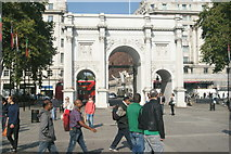 TQ2780 : View of Marble Arch from Cumberland Gate by Robert Lamb