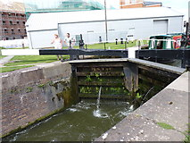 SO8453 : Diglis Top Lock, Worcester-Birmingham Canal by Jeff Gogarty