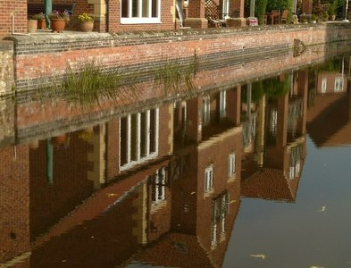 SK5879 : Canal reflections by Alan Murray-Rust