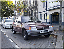 J5081 : Car, Bangor by Rossographer