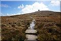 NY7032 : Pennine Way towards Great Dun Fell by Ian S
